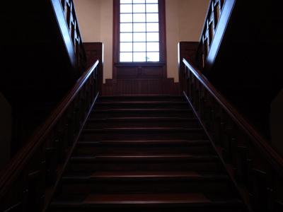 [IMAGE]木崎高校【階段吹き抜け】
